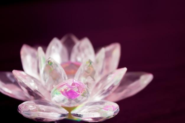 Lotus de cristal coloré