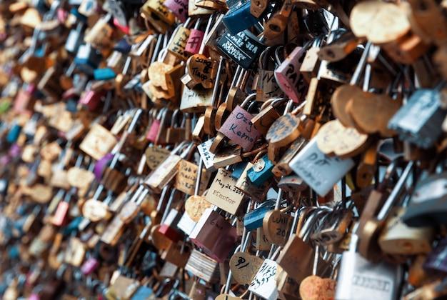 Love locks à paris, france