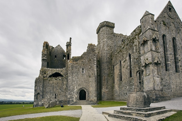 Low angle shot of rock of cashel cashel irlande