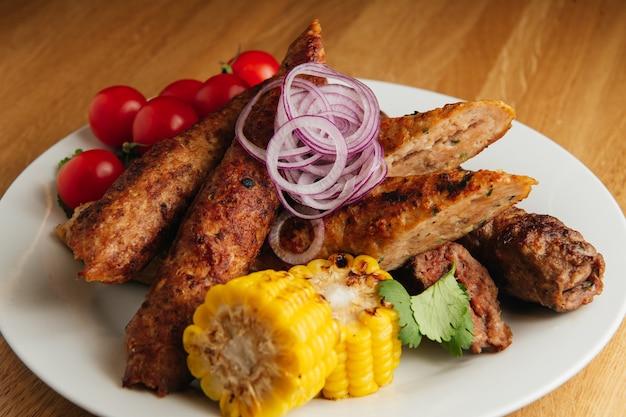 Lula kebab avec pain pita