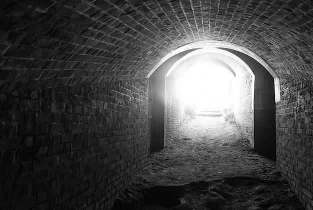 Lumière au bout du tunnel