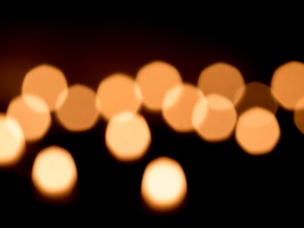 Lumière de bougie sur fond sombre
