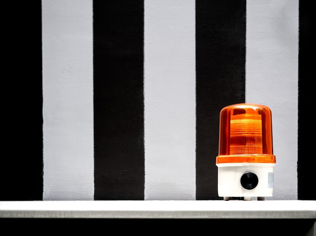 Lumière orange de la sirène d'urgence