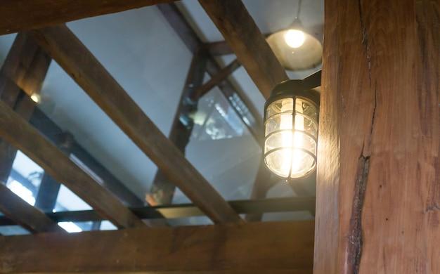 Lumière rétro de suspension noire