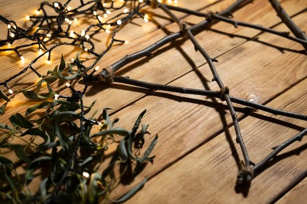 Lumières et branches concept juif traditionnel de hanoucca