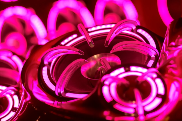 Lumières colorées de stéréo et haut-parleurs décoratifs sur la voiture