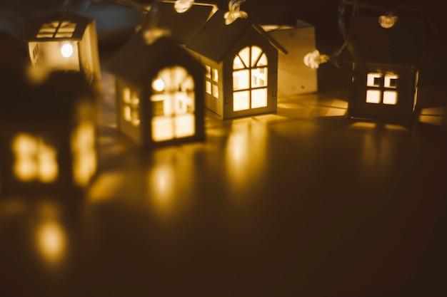 Lumières de noël sur fond sombre