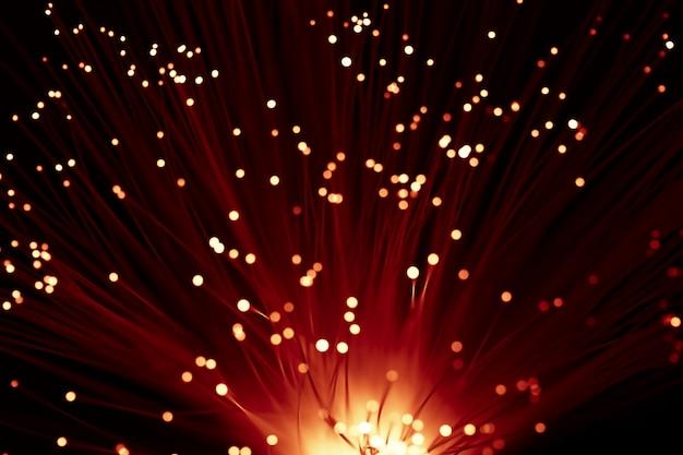 Lumières optiques rouges ensoleillées abstraites