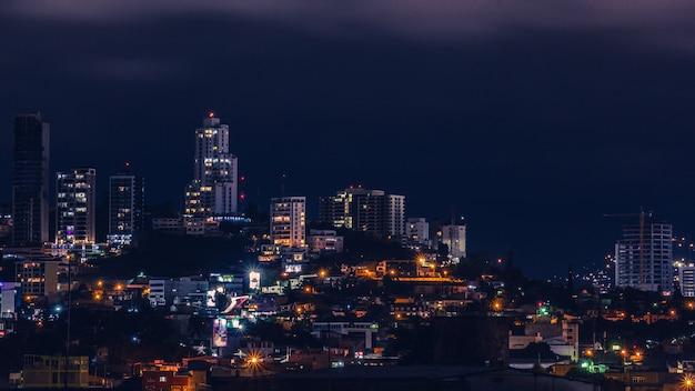 Lumières de la ville de tegucigalpa
