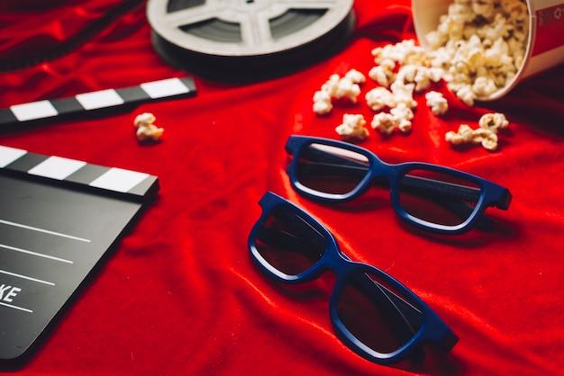 Lunettes 3d près de trucs de cinéma