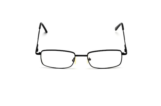 Lunettes optiques transparentes avec un étui à lunettes isolé.