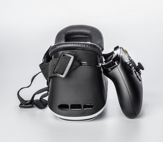Lunettes de réalité virtuelle et plateau de jeu