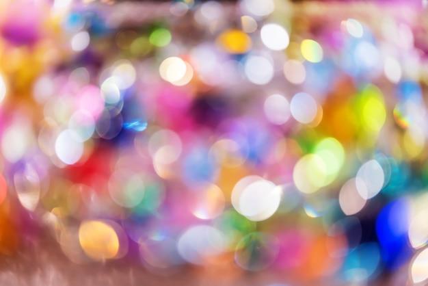Lustre en cristal abstrait, bouchent fond coloré de bijou ou de bijou