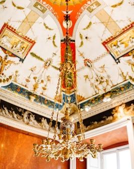 Lustre italien antique lustre lustre en or avec bougeoirs