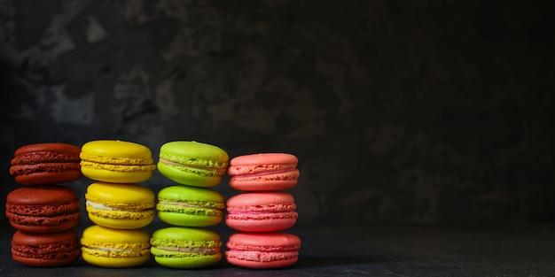 Macaron, biscuits au gâteau aux amandes