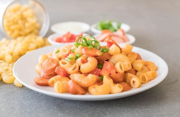 Macaroni à la saucisse
