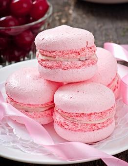 Macarons colorés français