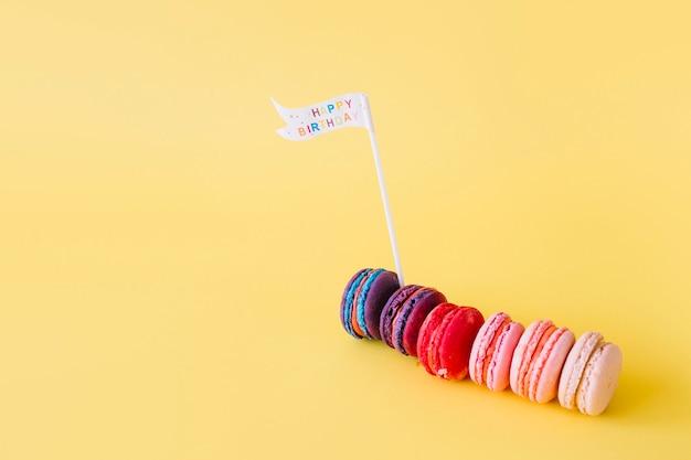 Macarons avec drapeau anniversaire