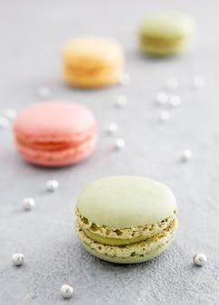 Macarons flous avec des perles