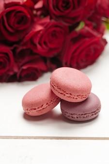 Macarons en forme pour la saint valentin ou la fête des mères