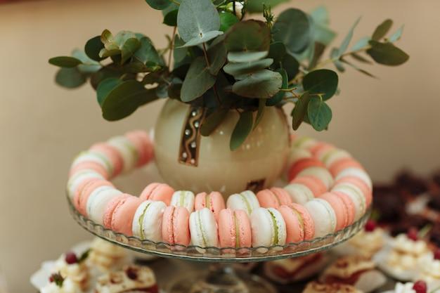 Macarons français. candy bar.fête de mariage. bonbons de mariage