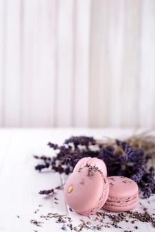 Macarons à la lavande sucrée