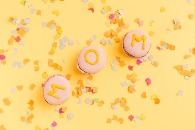 Macarons lumineux avec titre de maman