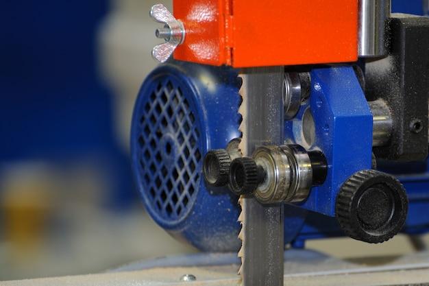 Machine à bois scie à ruban machine à découper des planches