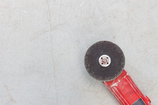Machine de broyage closeup avec molette
