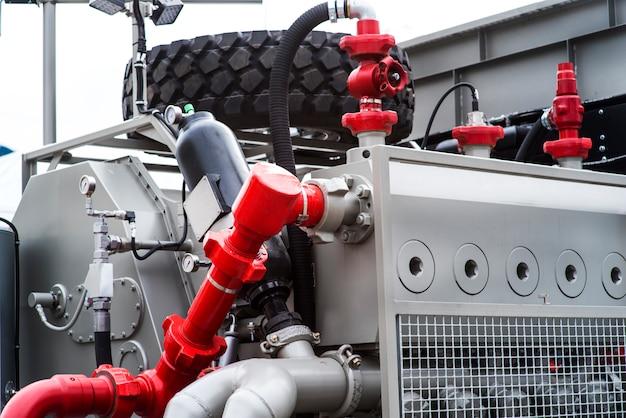 Machine à tubes enroulés pour travailler dans les champs pétroliers