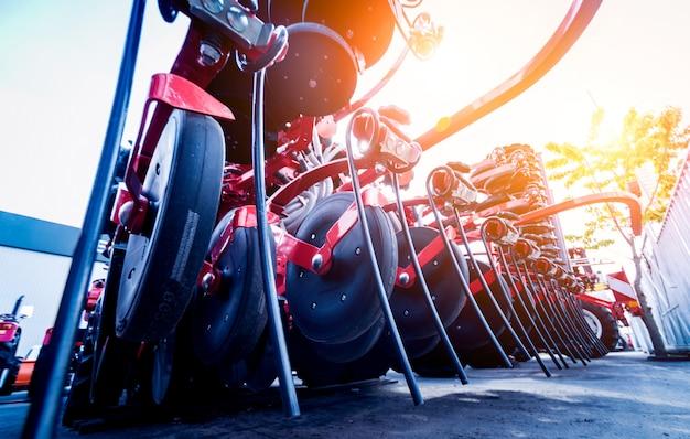 Machines et équipements agricoles modernes.