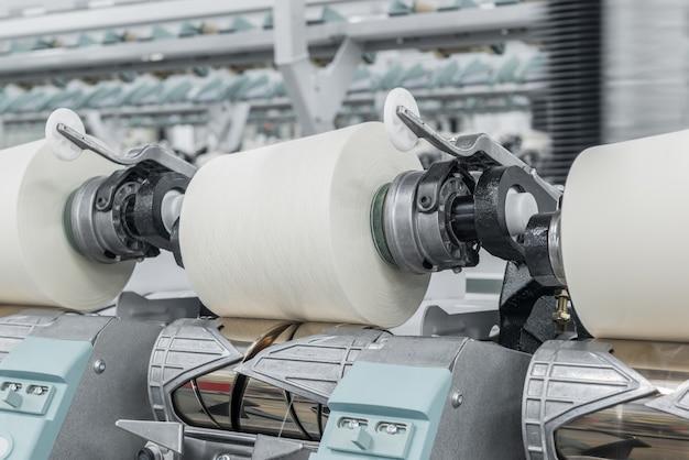 Machines et équipements dans l'atelier pour la production de fil ttextile factory
