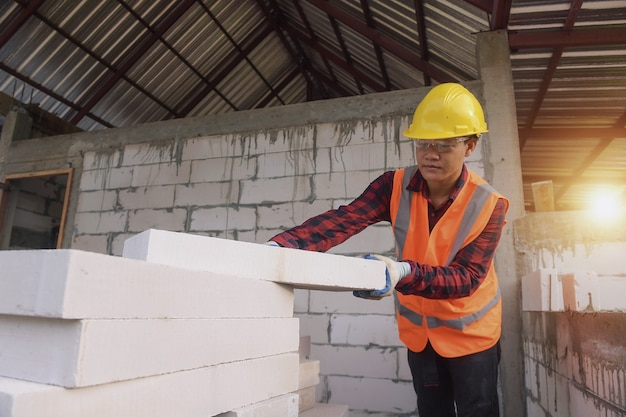 Maçon ouvrier maçon construction