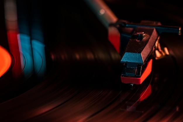 Macro détail de l'aiguille sur disque vinyle