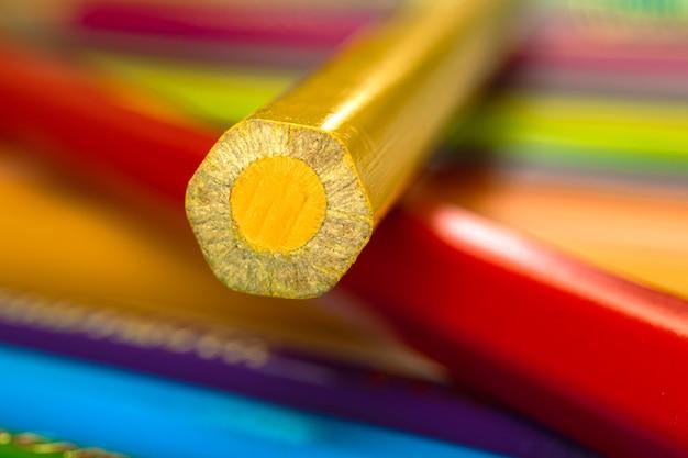 Macrophotographie du crayon de couleur
