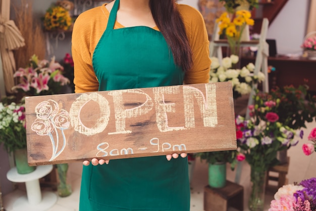 Le magasin de fleurs est ouvert