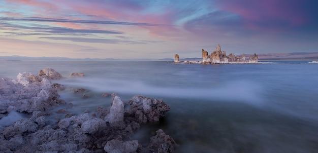 La magie de mono lake sunset california usa
