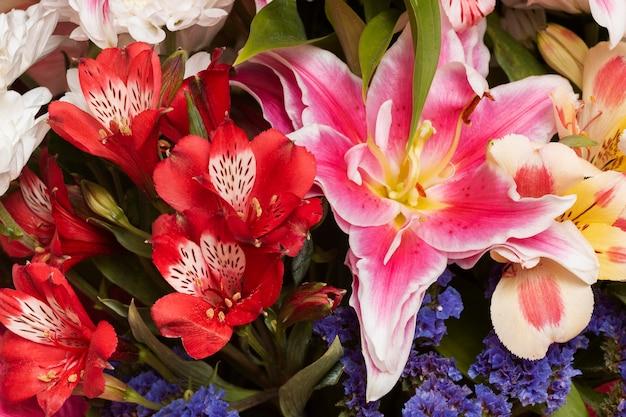 Magnifique arrangement de fond de fleurs