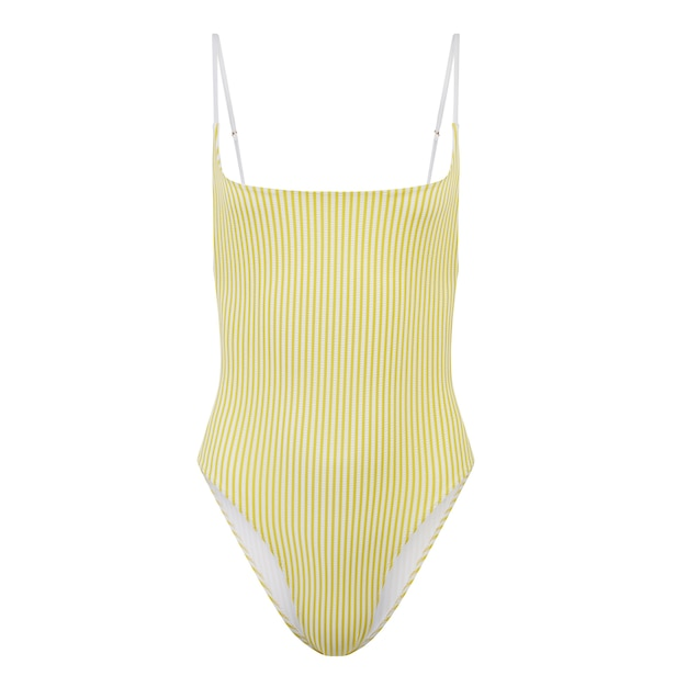 Maillot de bain une pièce jaune isolé