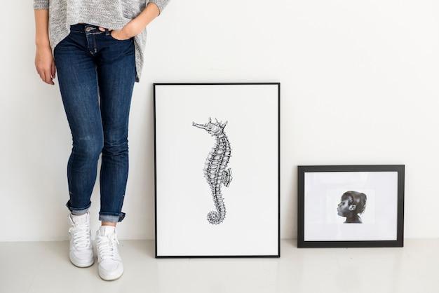 Main, dessin photo hippocampe dans le cadre photo