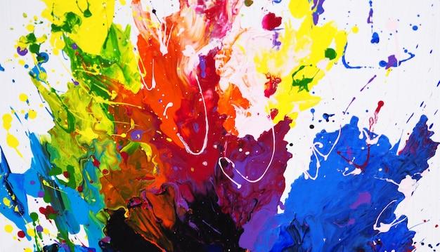 Main dessiner abstrait peinture colorée.