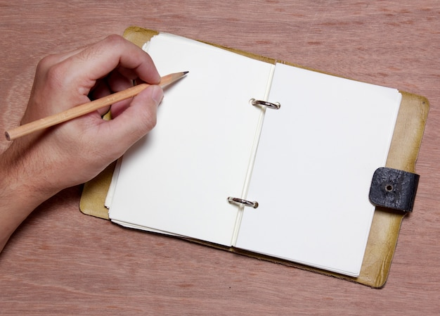Main écrit note vide