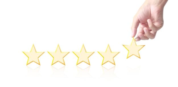 Main de l'élévation touchante sur l'augmentation de cinq étoiles.