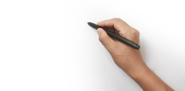 La main est prête à dessiner avec un marqueur noir