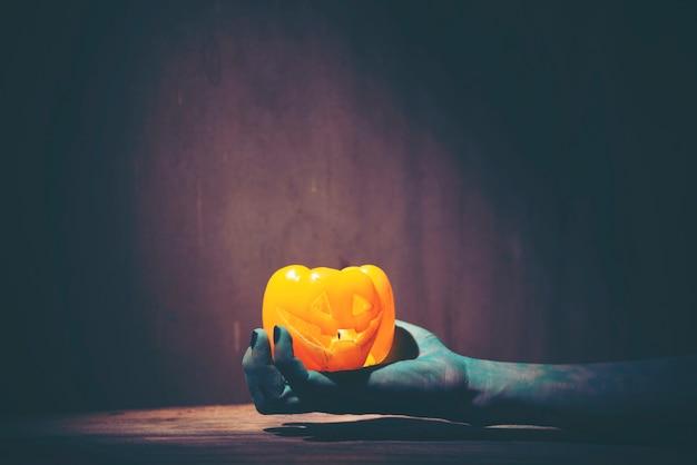 Main de fantôme d'halloween, photo d'art pour le concept d'halloween