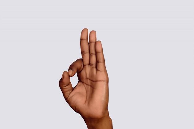 Main avec geste ok.