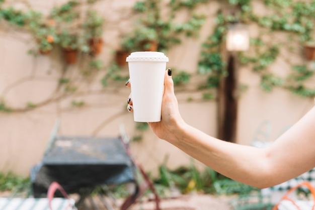 Main, tenue, emporter, café