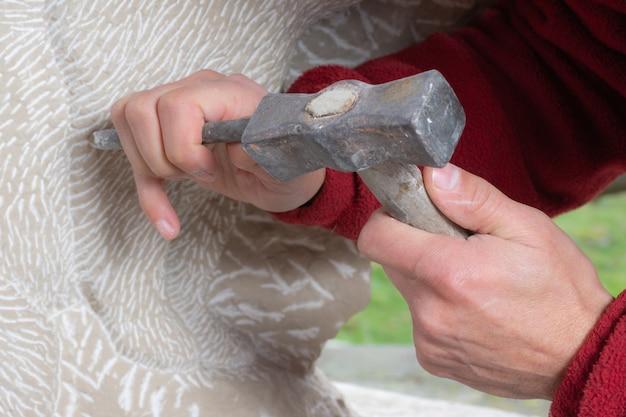 Mains d'artisan