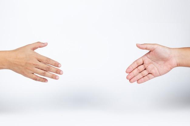 Mains avec distance sociale pendant la pandémie de coronavirus