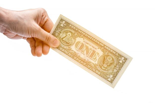 Mains donnant de l'argent sur le blanc.